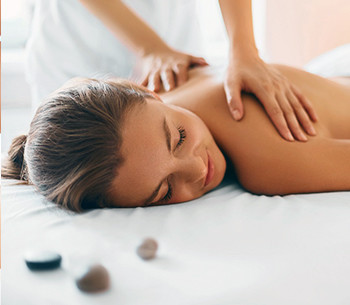 Massagem relaxante Athenee Personnalité Day Spa